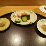 日本料理 太月 - 27年6月 自家製山葵漬け、お新香、ジャコ