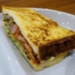 ブリュー パーラー サンロクイチゴ - フレンチトーストサンド
