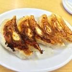 来来亭 - 料理写真:餃子