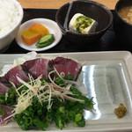 魚 駅前 - カツオのたたき定食