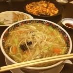 桃花 - 『野菜麺』通常サイズで、この期間は500円!とっても熱いのでヤケド注意です!