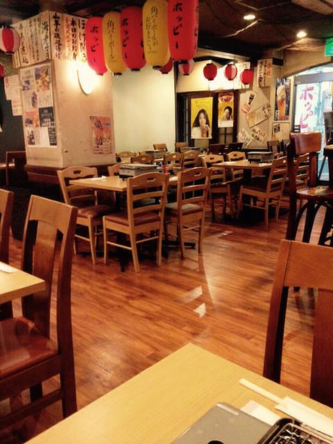 鮮魚酒場 たくみ食堂 - 店内