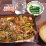 横川サービスエリア 上り スナックコーナー - 料理写真:上州づくし豚すき重