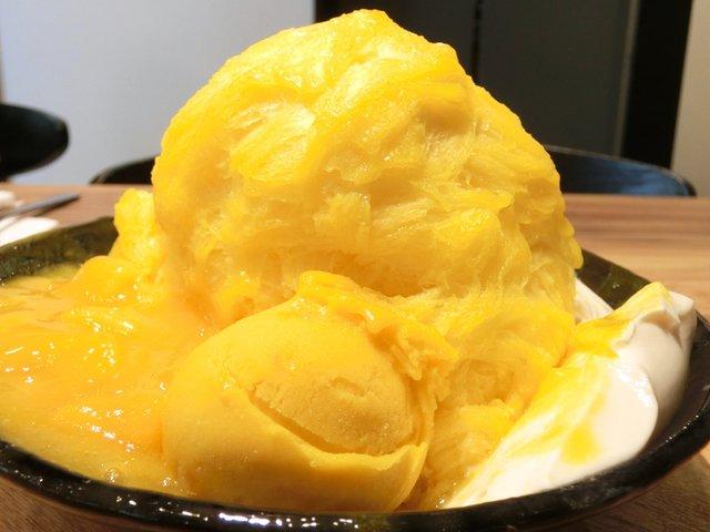 ICE MONSTER OMOTESANDO - マンゴーかき氷 1500円