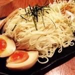 祥 - 麺が細く山盛り提供!