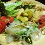 旬菜食健 ひな野 - 野菜中心のビュッフェプレート