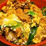 多津屋 - ダブルカレーをご飯の上に乗せて丼にするのも美味しい!!