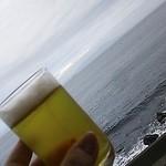 39221416 - ♪大島が遠くに ぼんやり寝てる~♪ に乾杯。お部屋露天風呂より