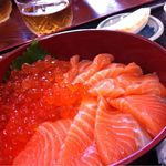 魚の棚食堂 - サーモン親子丼