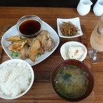 コーデュロイカフェ - ランチの定食