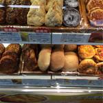 神戸屋 - さくさくメロン パンへ