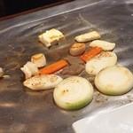 神楽 - 焼き野菜&海の幸の鉄板焼き♪