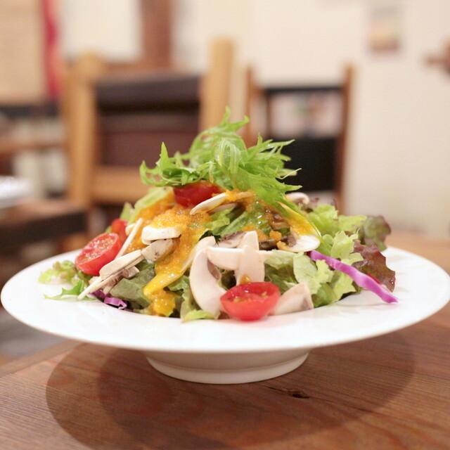 ベラボッカ - フレッシュマッシュルームとトマトのサラダ (842円) '15 5月中旬