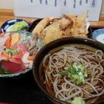 39247576 - 海鮮丼と三二そばのセット(大盛)
