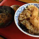 和食ダイニング田田 - 名物びっくり天丼1尾
