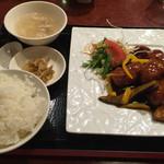 39253730 - 黒酢のミルフィーユ酢豚ランチ