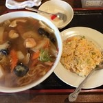 慶珍楼 - 日替わり定食680円、相変わらずのボリュームです。