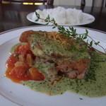ア・ラ・ボンヌ・ママン - 料理写真:若鶏のソテー(税込み1260円)