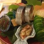 むろまち 加地 - お造り五種 鯖寿司 珍味
