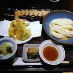 39259820 - 天ぷらせいろ醤油つゆ