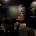 バー レストラン エイチケイナイン -
