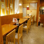 カラフル食堂 - テーブル席