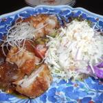 与志乃 - 地鶏のガーリックソース焼き。美味いぞぉ