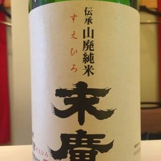 日本酒や、シャンパーニュもございます。
