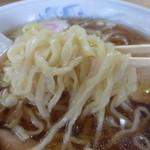 39264193 - ラーメン(自家製麺、小麦粉の甘味が!)