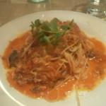 ラマーノディマルコ - 鶏・豚・牛のトマトソースのスパゲッティーニ