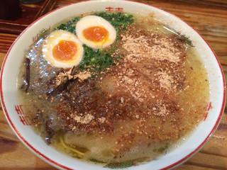天外天 本店 - ラーメン700円 煮卵100円