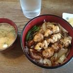 よこた - 料理写真:焼鳥丼 580円
