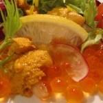 魚庄 - 料理写真:女性にとても人気の一品 雲丹が違う