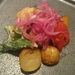 39273099 - 色鮮やかなお野菜の前菜盛り合わせ