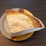 バーニャのパン - しっとりと水分を含んでいて、思いのほか柔らかい