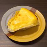 バーニャのパン - チーズケーキ(1/8カット¥370)