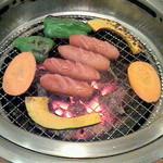 炭火焼肉 牛楽園 - ウインナー
