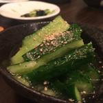 SATOブリアン - 2015/6_箸休めの胡瓜、塩味が適度に効いてて美味いです