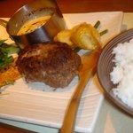 ノースコンチネント - 色々チーズの濃厚蝦夷ハンバーグ