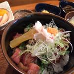 熊や - 海丼(1,404円)