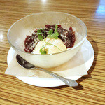 アネア カフェ - バニラアイスの餅クレープ包み