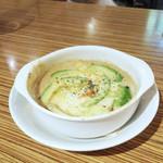 アネア カフェ - ずわい蟹とアボカド