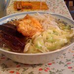 上海家庭料理 謝謝 - 角煮野菜麺です。