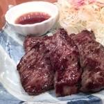 39290283 - 肉は弾力があって、ご飯がすすみます