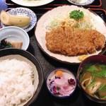 山海鳥 - 料理写真:ロースかつ定食