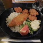 UP - 唐揚げのロコモコ丼    \700-→¥500-