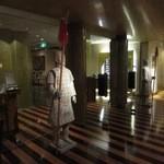 39294664 - 中華料理「王朝」です!まるで博物館に来たような重厚な雰囲気、至る所に像やオブジェが飾ってあります