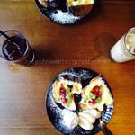 狸穴 Cafe - ポップオーバーとドリンク