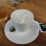 ブランコ - ドリンク写真:カフェオレ430円(税込み)、クッキー付き。