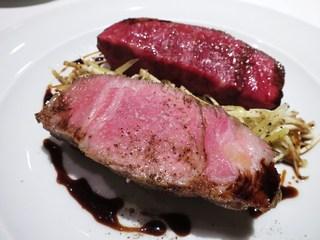 ヴィンチェロ - キントア豚とイチボのロースト  根セロリとチーズのサラダ